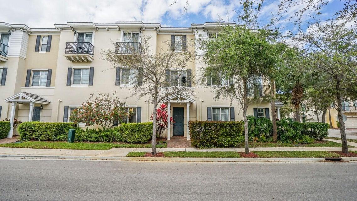 3833 NW 5th Terrace, Boca Raton, FL 33431