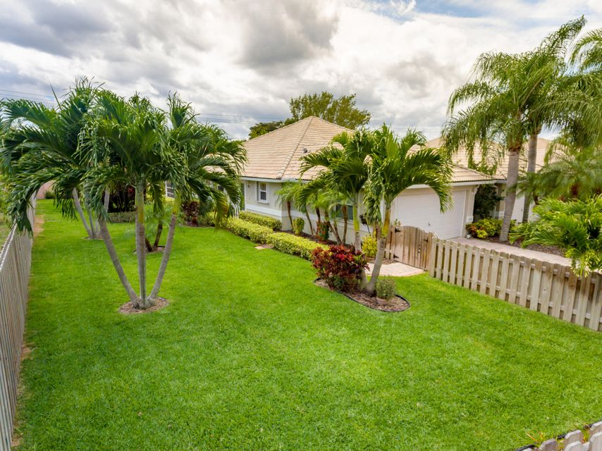 5271 Grande Palm Circle, Delray Beach, FL 33484