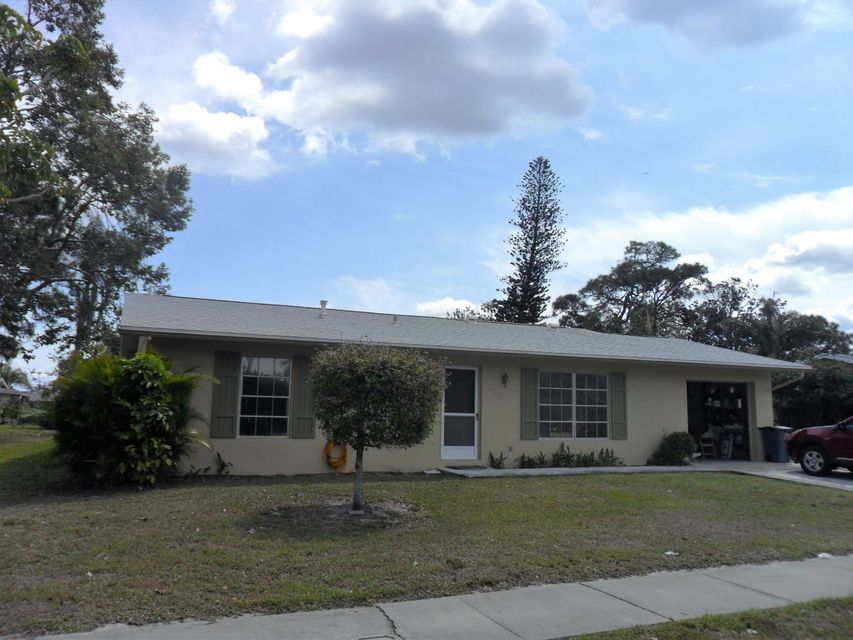 625 SW Branford Drive, Port Saint Lucie, FL 34983