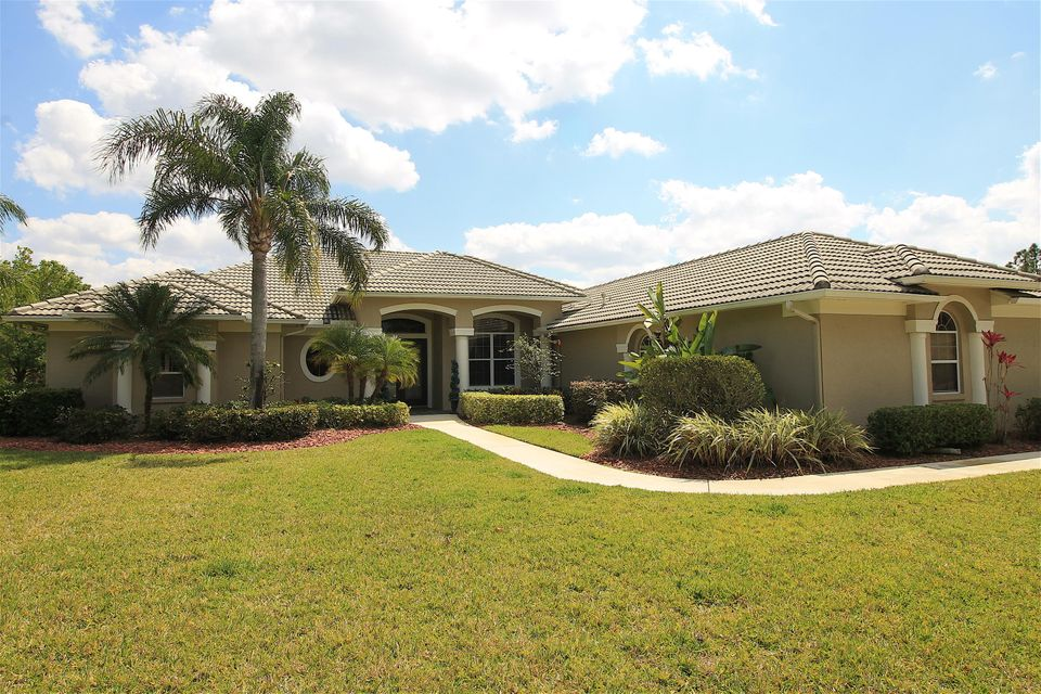 8059 Spendthrift Lane, Port Saint Lucie, FL 34986