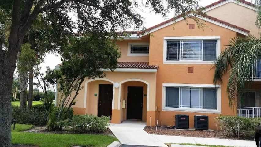 121 SW Palm Drive 201, Saint Lucie West, FL 34986