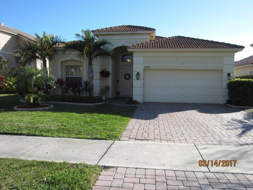 5725 Sterling Lake Drive, Fort Pierce, FL 34951