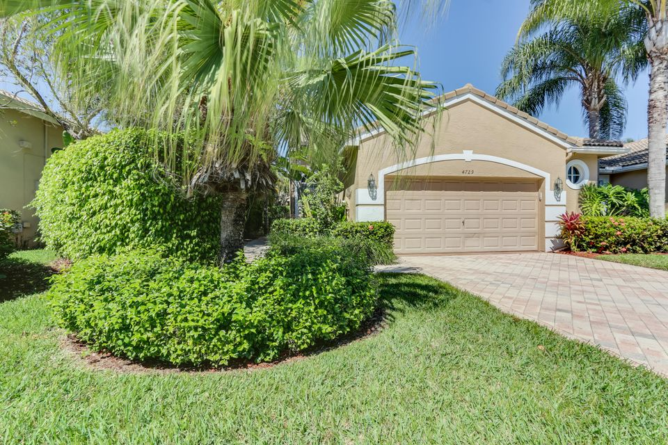 4729 Carlton Golf Drive, Wellington, FL 33449