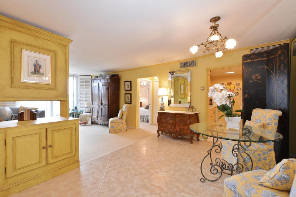 ISLAND HOUSE PALM BEACH REAL ESTATE