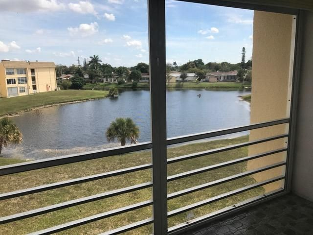 8435 Sunrise Lakes Boulevard 310, Sunrise, FL 33322