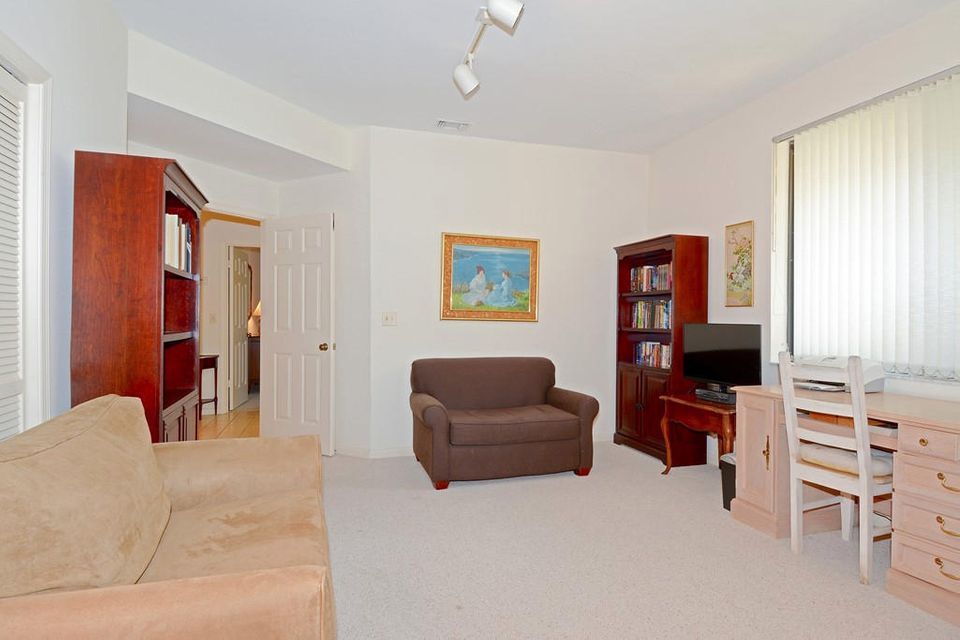 Additional photo for property listing at 1111 Sand Drift Way 1111 Sand Drift Way West Palm Beach, Florida 33411 United States