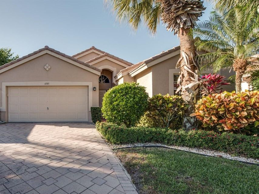6585 Sun River Road, Boynton Beach, FL 33437