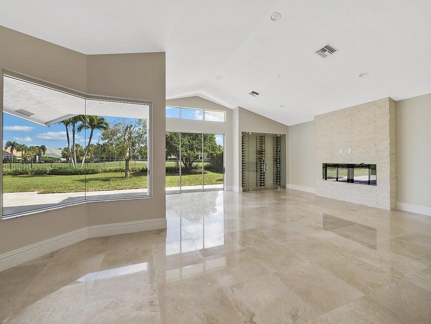 44 Saint James Drive, Palm Beach Gardens, FL 33418