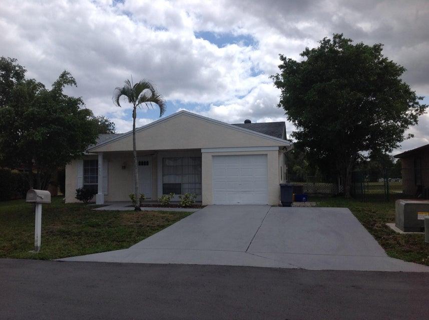 8438 Summer Field Place, Boca Raton, FL 33433