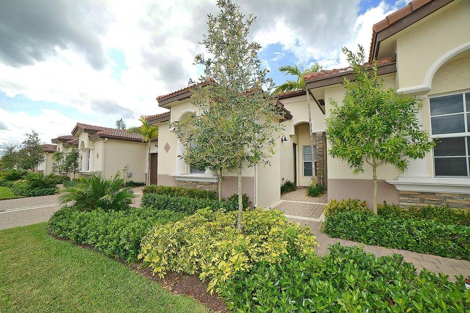 Vila para Venda às 14907 Barletta Way 14907 Barletta Way Delray Beach, Florida 33446 Estados Unidos