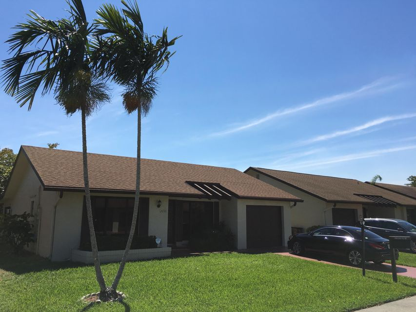 2050 SW 17th Drive is listed as MLS Listing RX-10318826 with 19 pictures