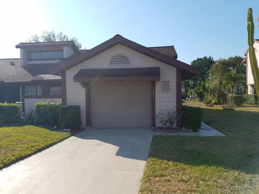 1471 SE Colchester Circle is listed as MLS Listing RX-10318966 with 18 pictures