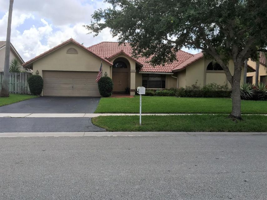 1450 NW 100th Way, Plantation, FL 33322