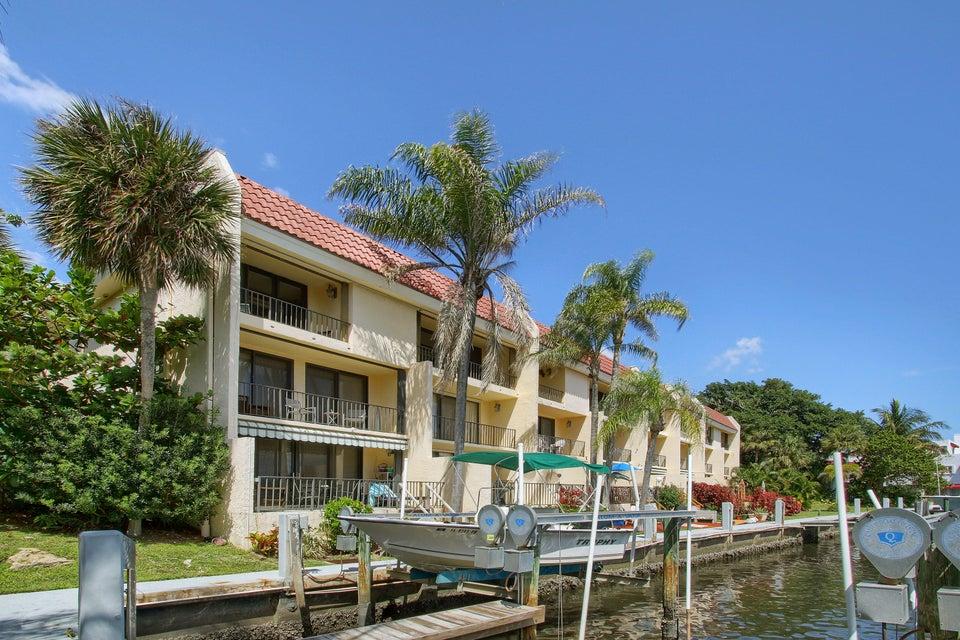 801 Palm Trail 9, Delray Beach, FL 33483