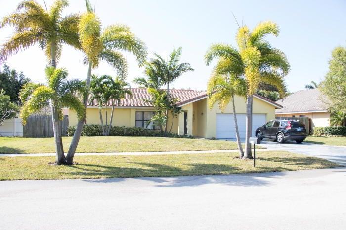210 Oregon Lane, Boca Raton, FL 33432