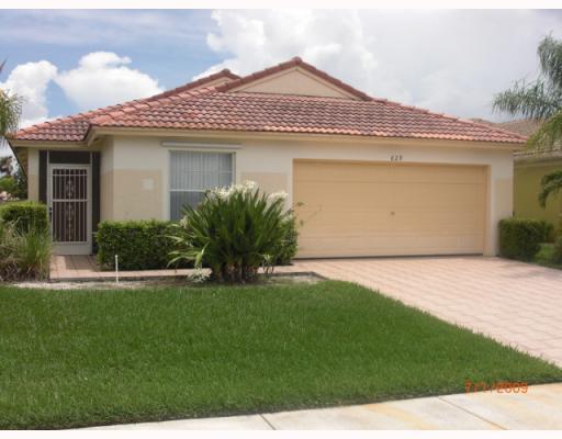 629 NW Stanford Lane, Port Saint Lucie, FL 34983