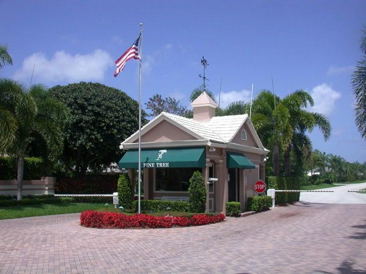 4717 Pine Tree Drive, Boynton Beach, FL 33436