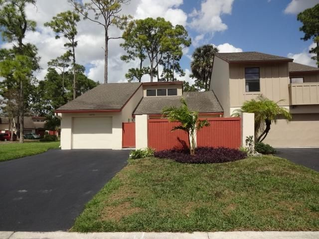 12795 Spinnaker Lane, Wellington, FL 33414