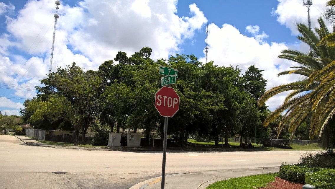 700 NW 214th Street 213, Miami Gardens, FL 33169