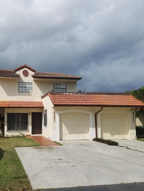 6367 NW 190th Terrace, Hialeah, FL 33015