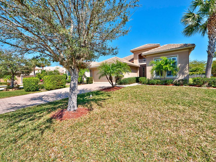 303 NW Somerset Circle, Port Saint Lucie, FL 34983