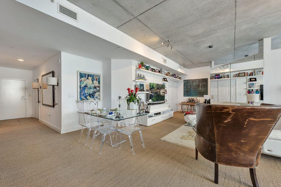 VILLA LOFTS REALTY