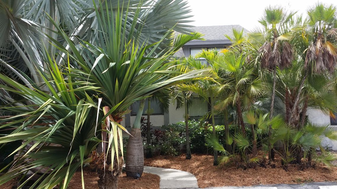 9258 Ketay Circle, Boca Raton, FL 33428
