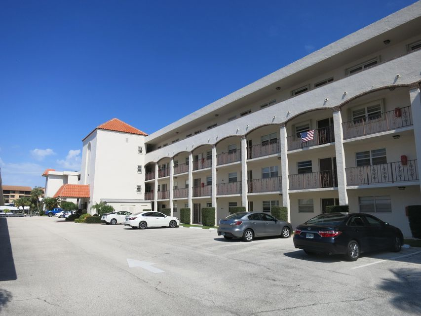 20 Yacht Club Drive 109, North Palm Beach, FL 33408