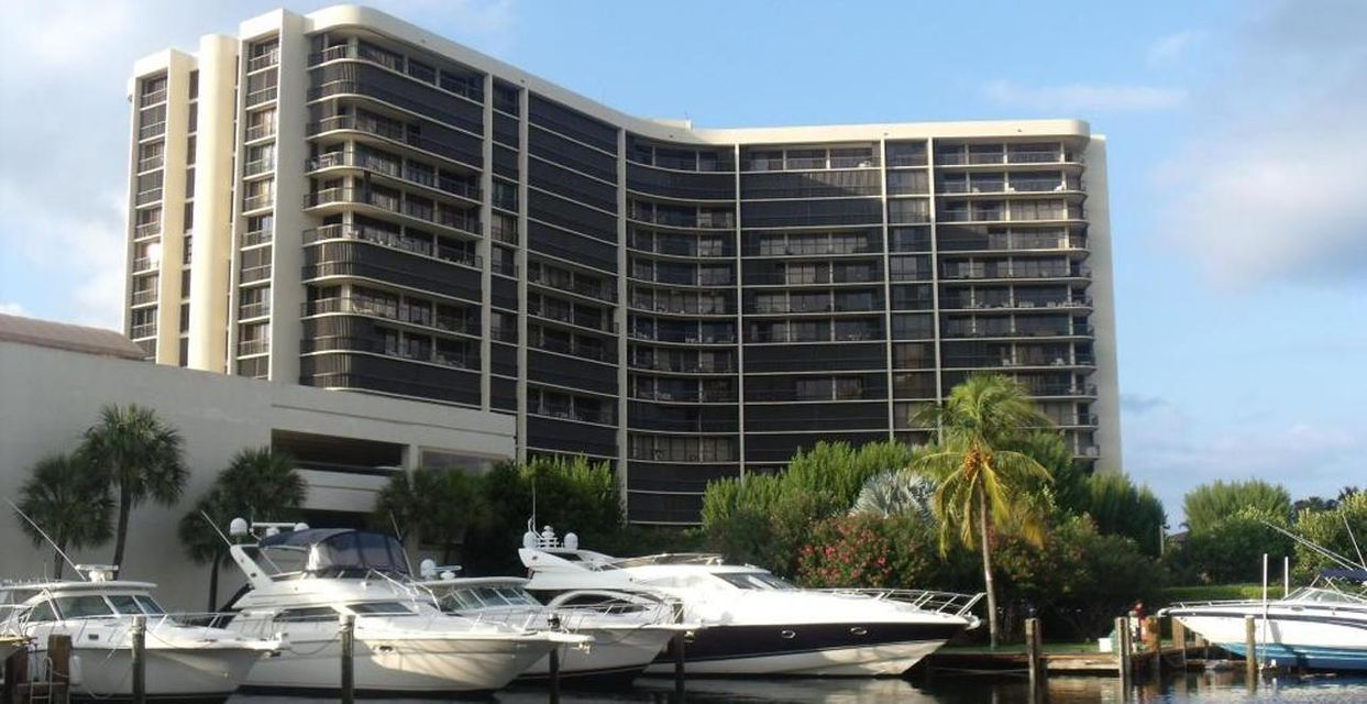 4740 S Ocean Boulevard is listed as MLS Listing RX-10319729 with 35 pictures