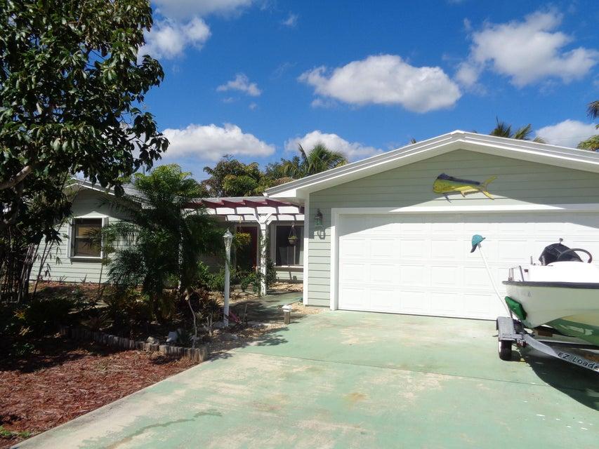 5555 SE Matousek Street, Stuart, FL 34997