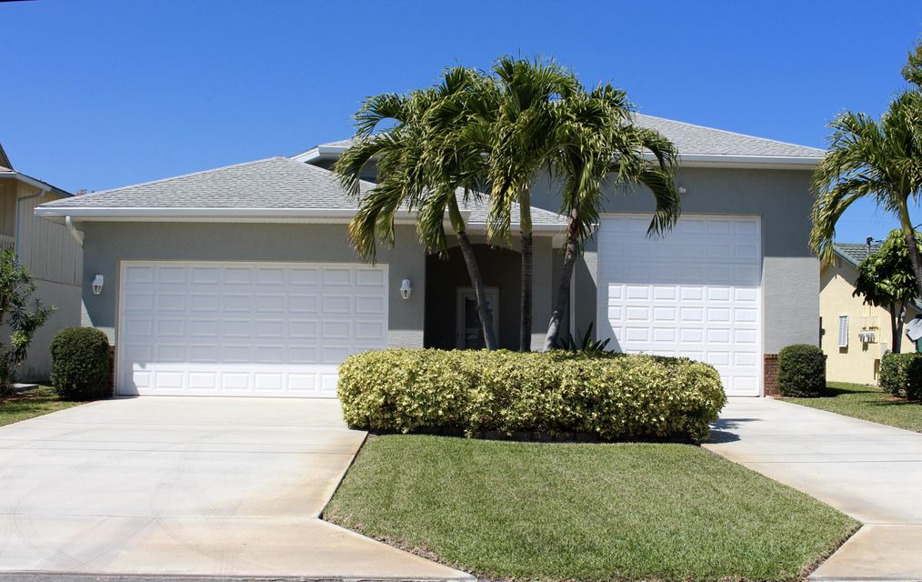 Single Family Home for Sale at 1226 Carlton Court 1226 Carlton Court Fort Pierce, Florida 34949 United States
