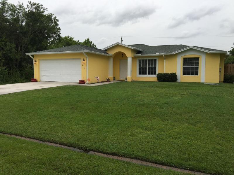 217 SW Chandler Terrace, Port Saint Lucie, FL 34953