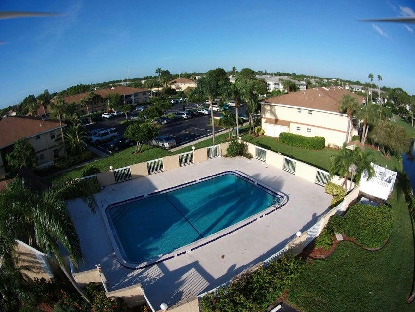 1533 SE Royal Green Circle 108, Port Saint Lucie, FL 34952
