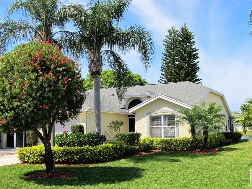 4240 SE Home Way, Port Saint Lucie, FL 34952