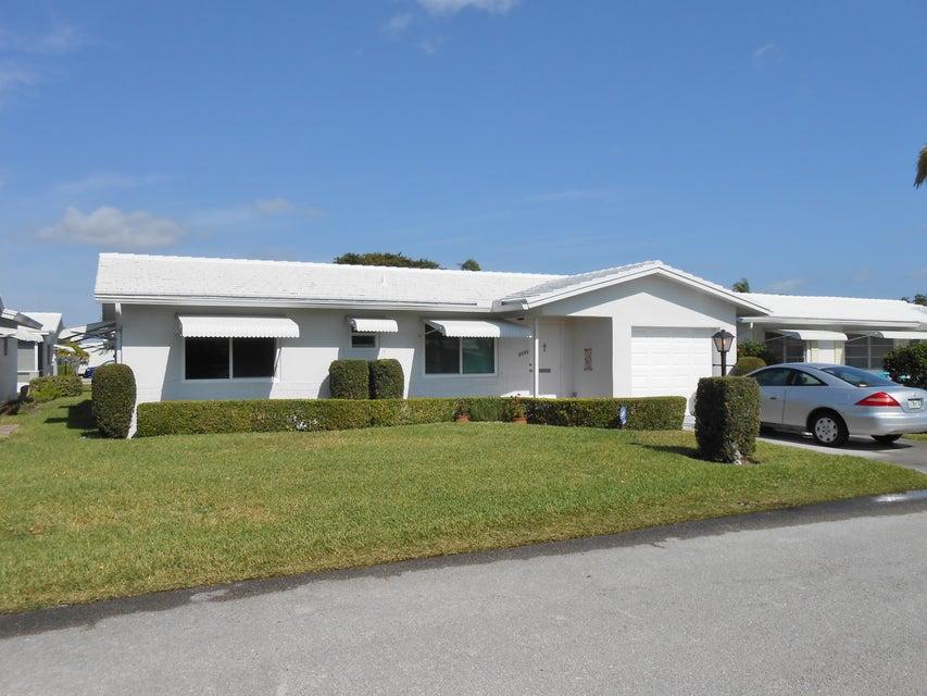 2093 SW Lake Circle Drive, Boynton Beach, FL 33426