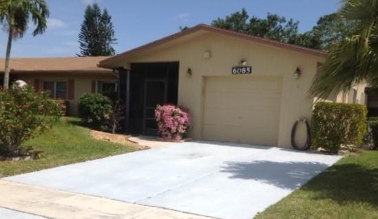 Delray Villas 4 6085 Lasalle Road