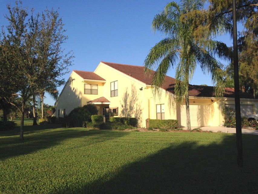 23 Edinburgh Drive, Palm Beach Gardens, FL 33418