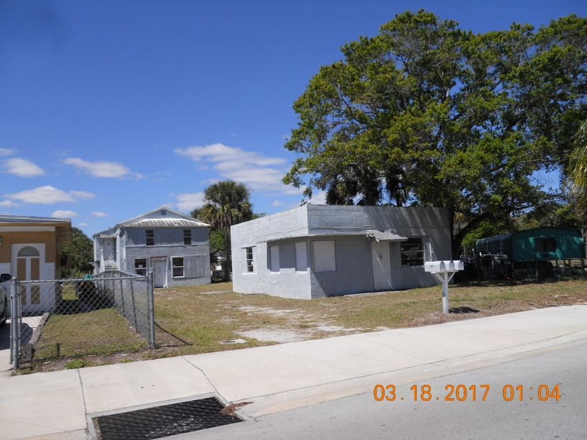 305 N 10th Street, Fort Pierce, FL 34950