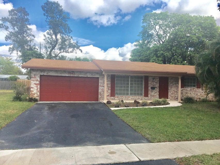 7541 NW 13th Street, Plantation, FL 33313