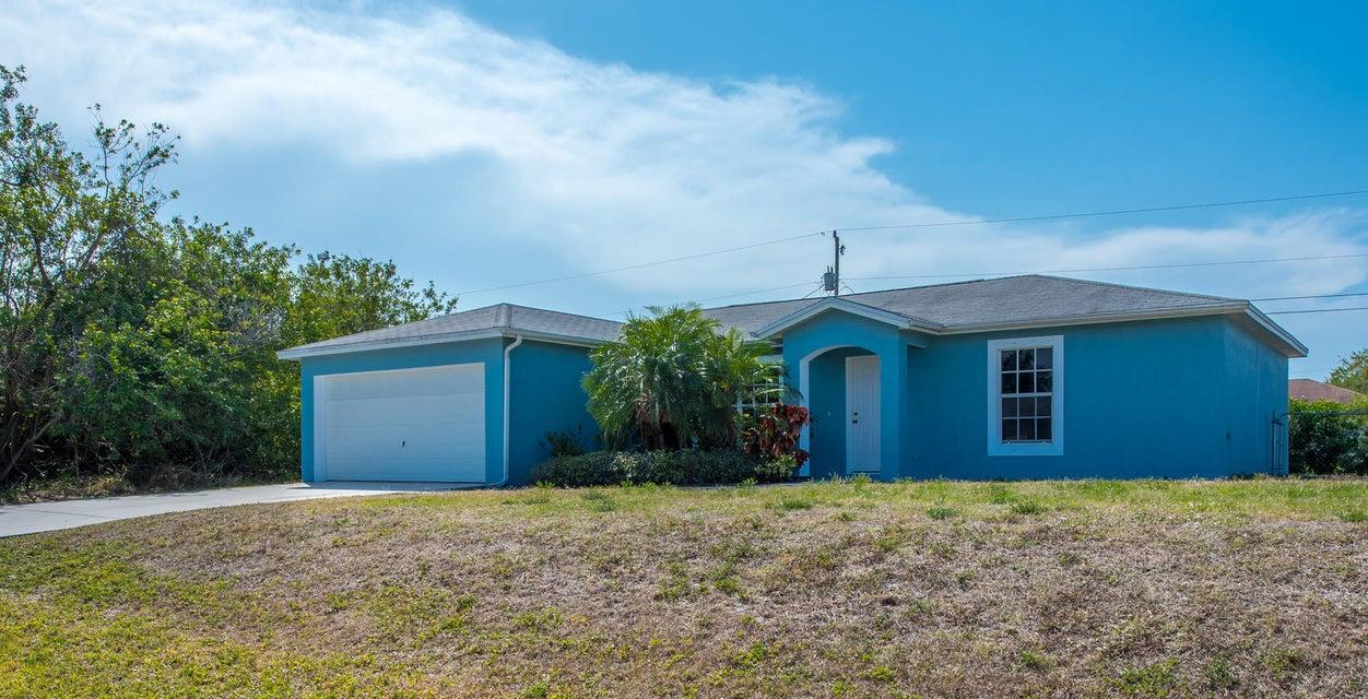 614 SW Backert Avenue, Port Saint Lucie, FL 34953