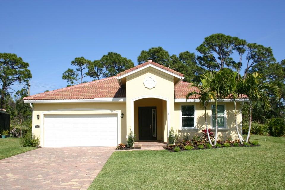 521 NE Abaca Way, Jensen Beach, FL 34957
