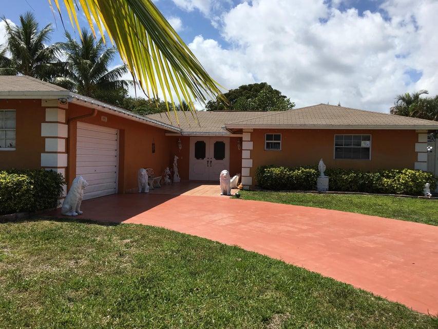 891 Flamango Court W, West Palm Beach, FL 33406