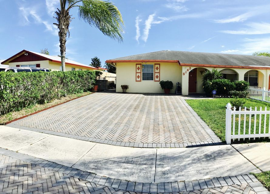 5142 Grant Lane, West Palm Beach, FL 33415