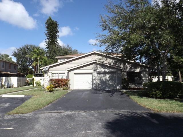 4467 Willow Pond Road D, West Palm Beach, FL 33417