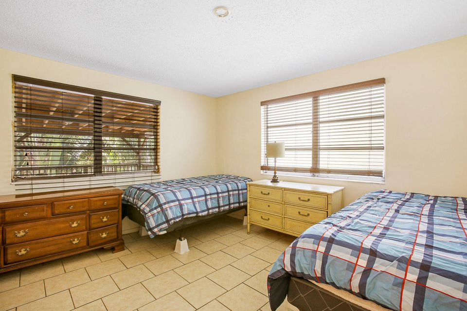 Additional photo for property listing at 306 Foresteria Drive 306 Foresteria Drive Lake Park, Florida 33403 Estados Unidos