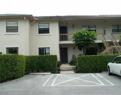 18 Westgate Lane 18e, Boynton Beach, FL 33436