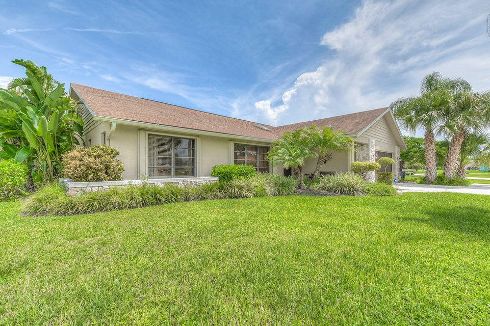 2922 NE Ivy Lane, Jensen Beach, FL 34957