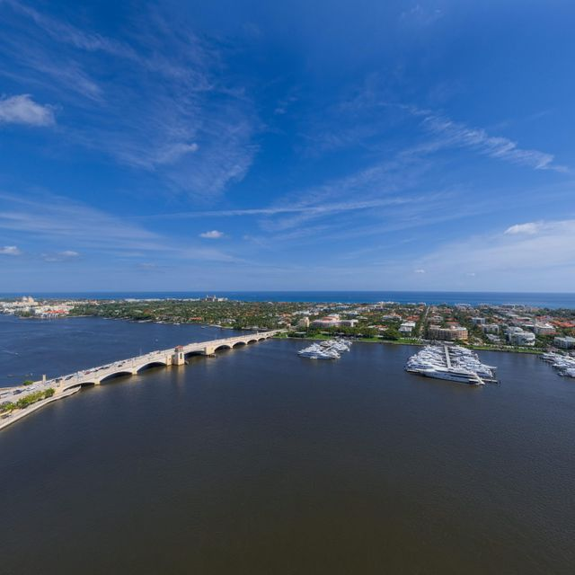 Additional photo for property listing at 1100 S Flagler Drive # 20B 1100 S Flagler Drive # 20B West Palm Beach, Florida 33401 United States