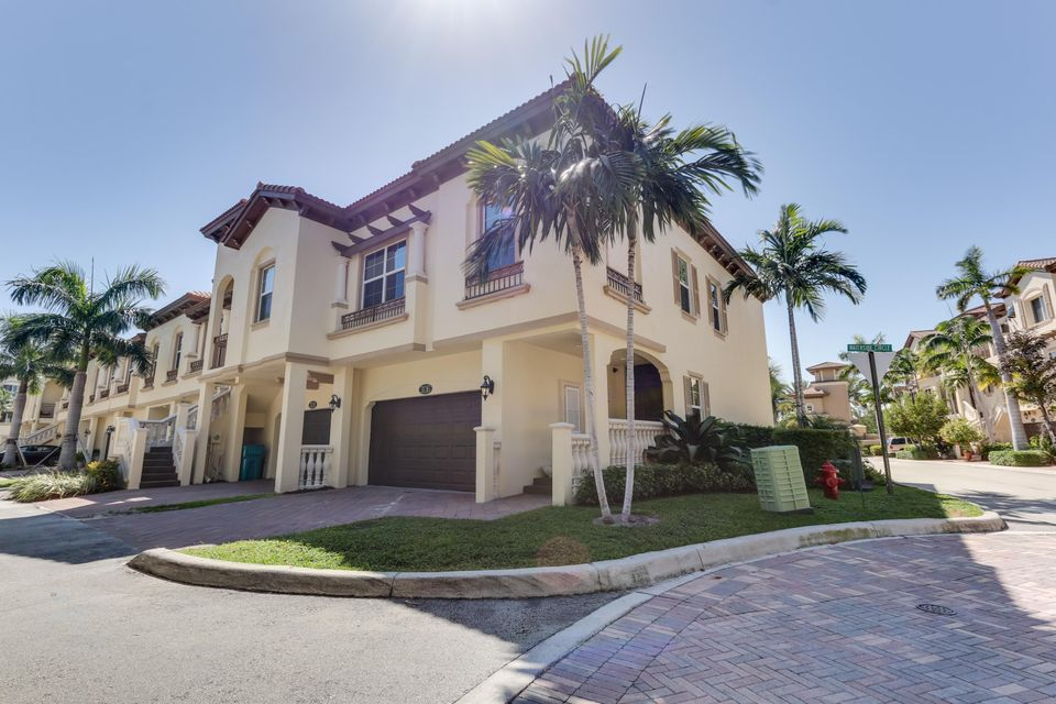3136 Waterside Circle, Boynton Beach, FL 33435