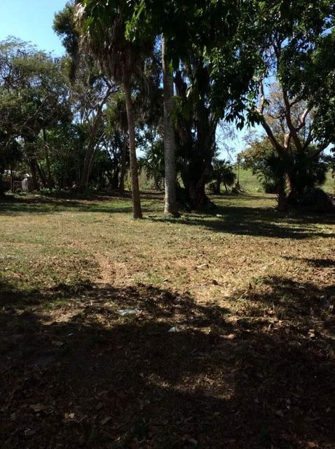 土地 为 销售 在 871 E Main Street Pahokee, 佛罗里达州 33476 美国